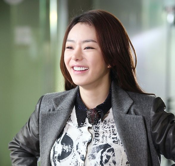 Another Smiling Moment, Seo Woo On The Set During Ep 96