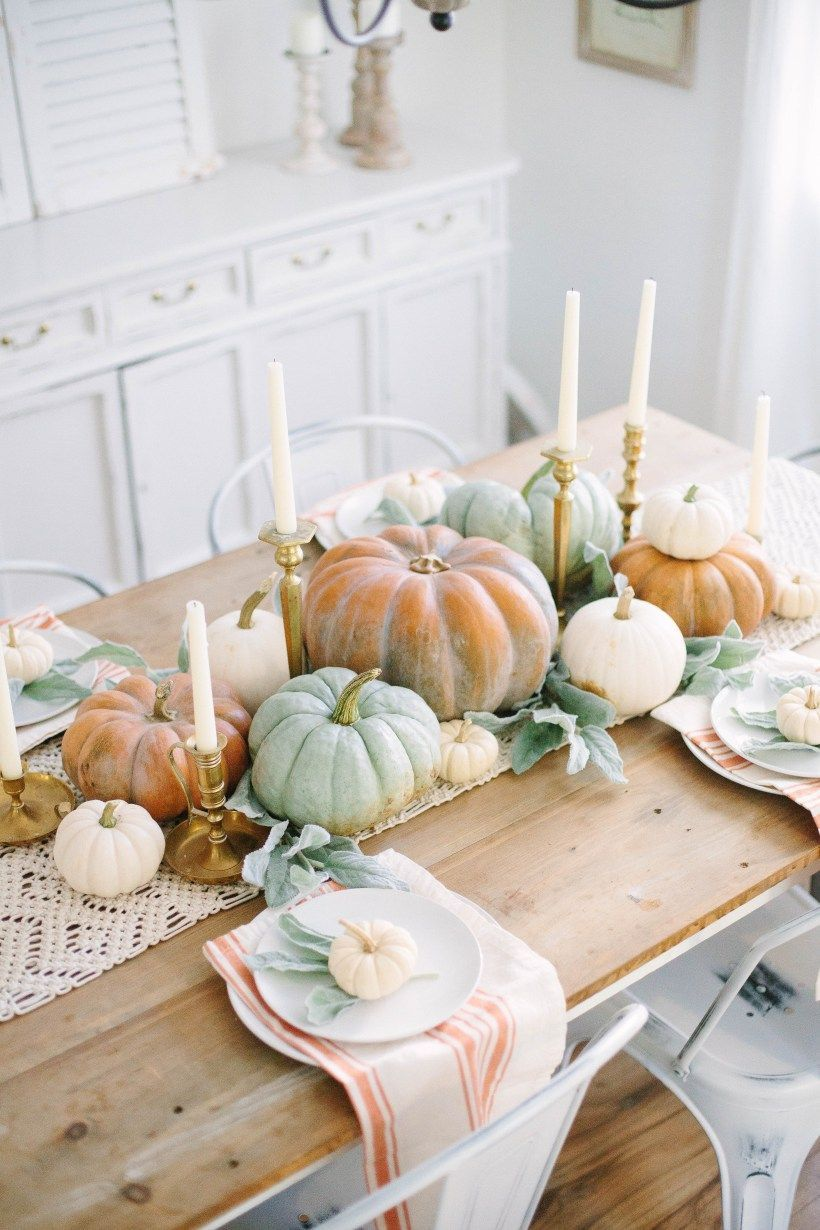 Simple Dining Room Decor For A Transitional Season: This Simple Fall Cottage Dining Room Uses Neutral Tones