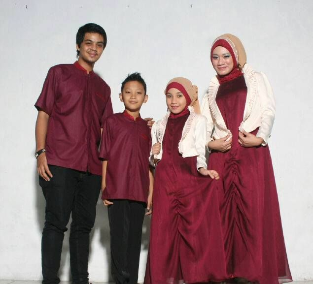 Gamis Gaun Pesta Muslim Maroon Kombinasi Putih Gaun Pesta Gaun Muslim