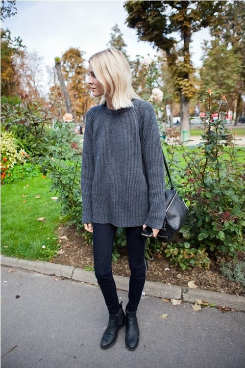 Baggy sweater / tight jeans.