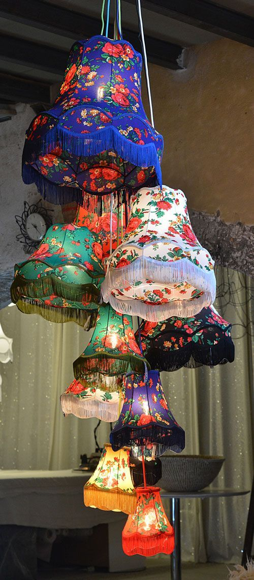 les grands bouquets great clusters of lampshades. Black Bedroom Furniture Sets. Home Design Ideas
