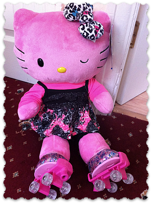 Pink Hello Kitty..my niece would love this!