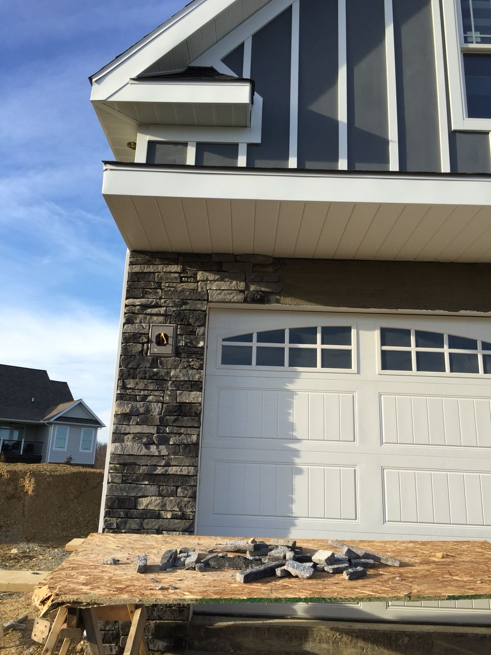 Stonecraft Ledgestone In Kingsford Grey For Our Craftsman Exterior House Exterior Craftsman Exterior House Colors