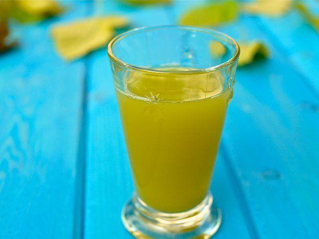 """El Cubano"" Pineapple Morning Cleansing Juice One-quarter pineapple Half cucumber Half lemon (yellow peel removed) 6-8 sprigs of mint (optional)"
