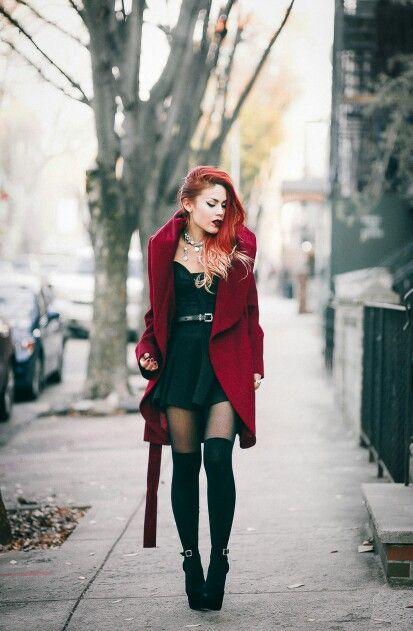 luana perez robe rouge