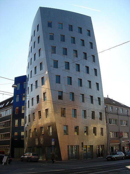 Plik:Hannover Gehry-Tower.jpg