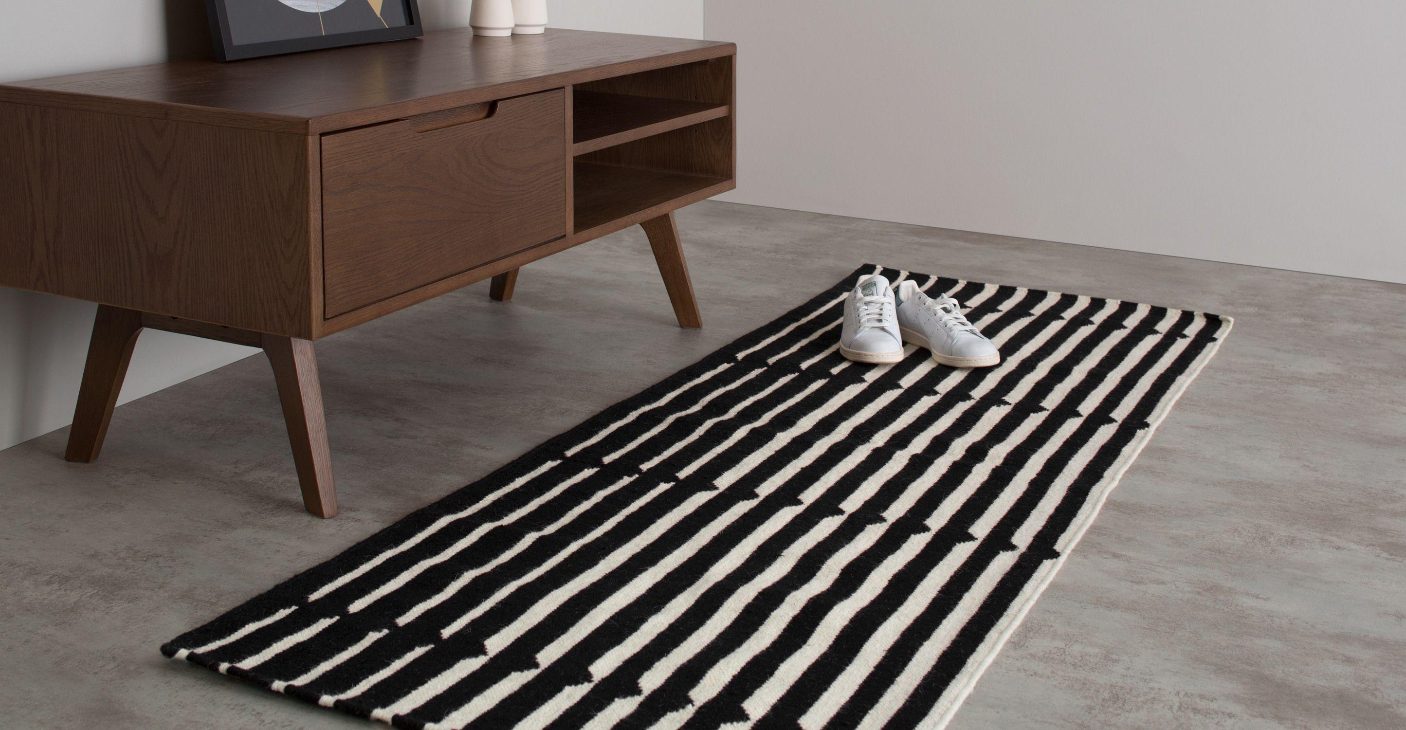 vico tapis de couloir ray 66 x 200 cm noir et blanc. Black Bedroom Furniture Sets. Home Design Ideas