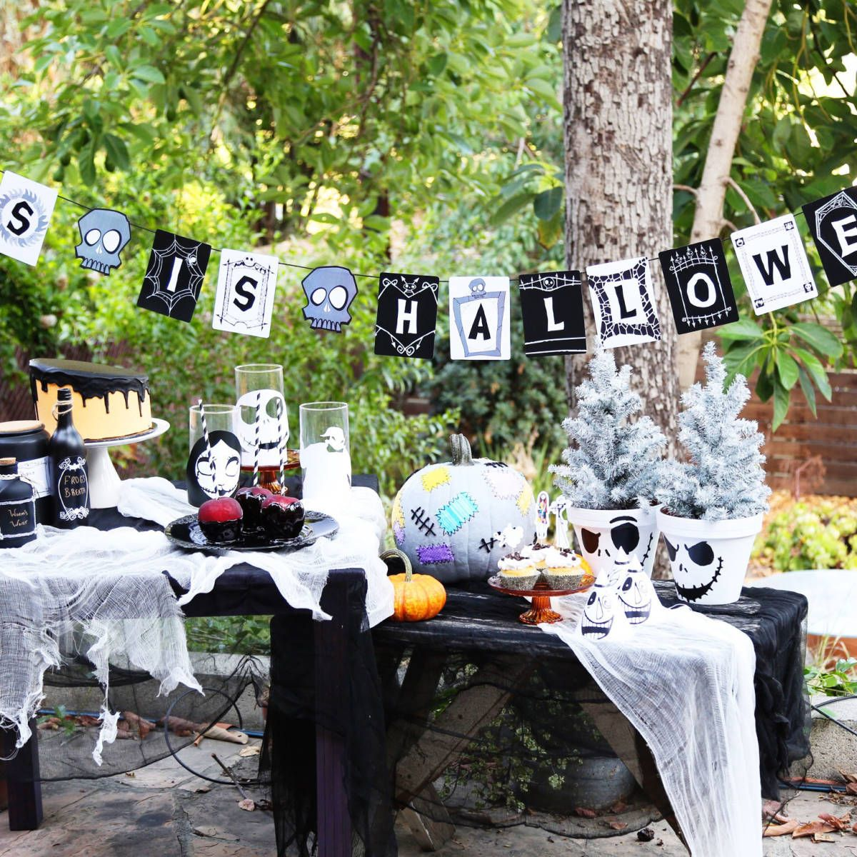 this is halloween banner halloween loisirs creatifs. Black Bedroom Furniture Sets. Home Design Ideas