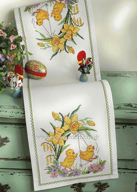 Daffodils and Chicks Table Runner