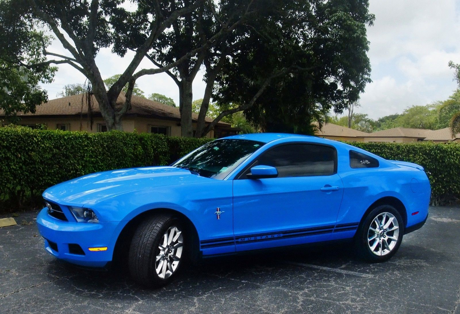 2010 Ford Mustang V6 Premium 2010 Ford Mustang Blue Mustang