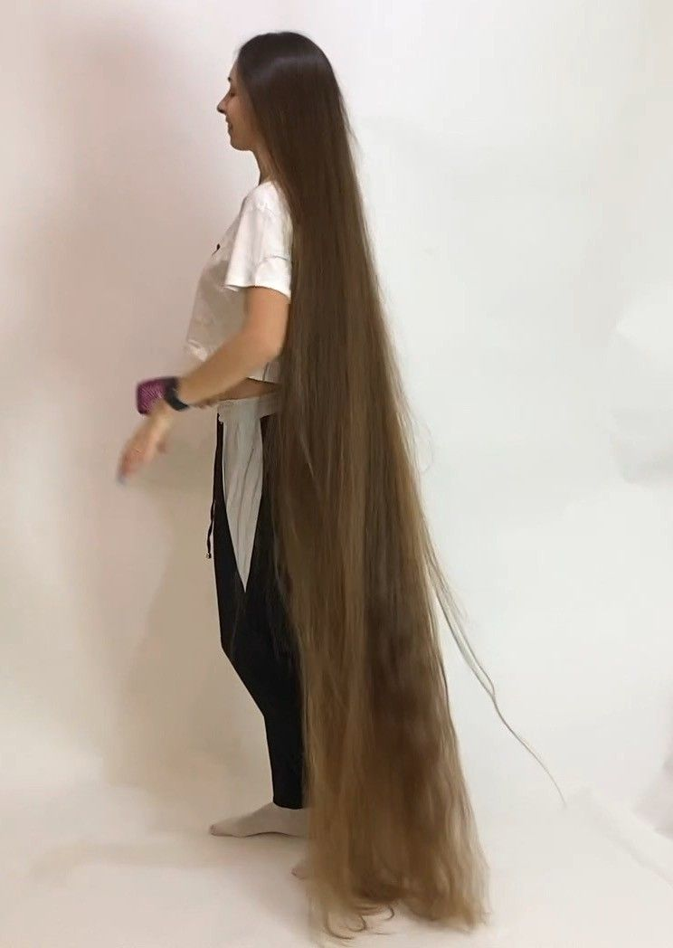 Video The Definition Of Perfect Long Hair In 2020 Long Hair Styles Long Hair Play Long Hair Girl