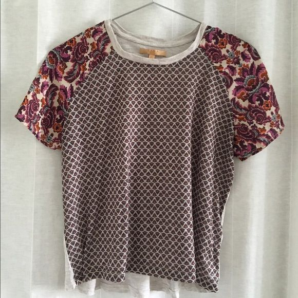Zara Top Zara T-Shirt with contrast printed front & sleeves. Solid grey jersey back. Zara Tops Tees - Short Sleeve