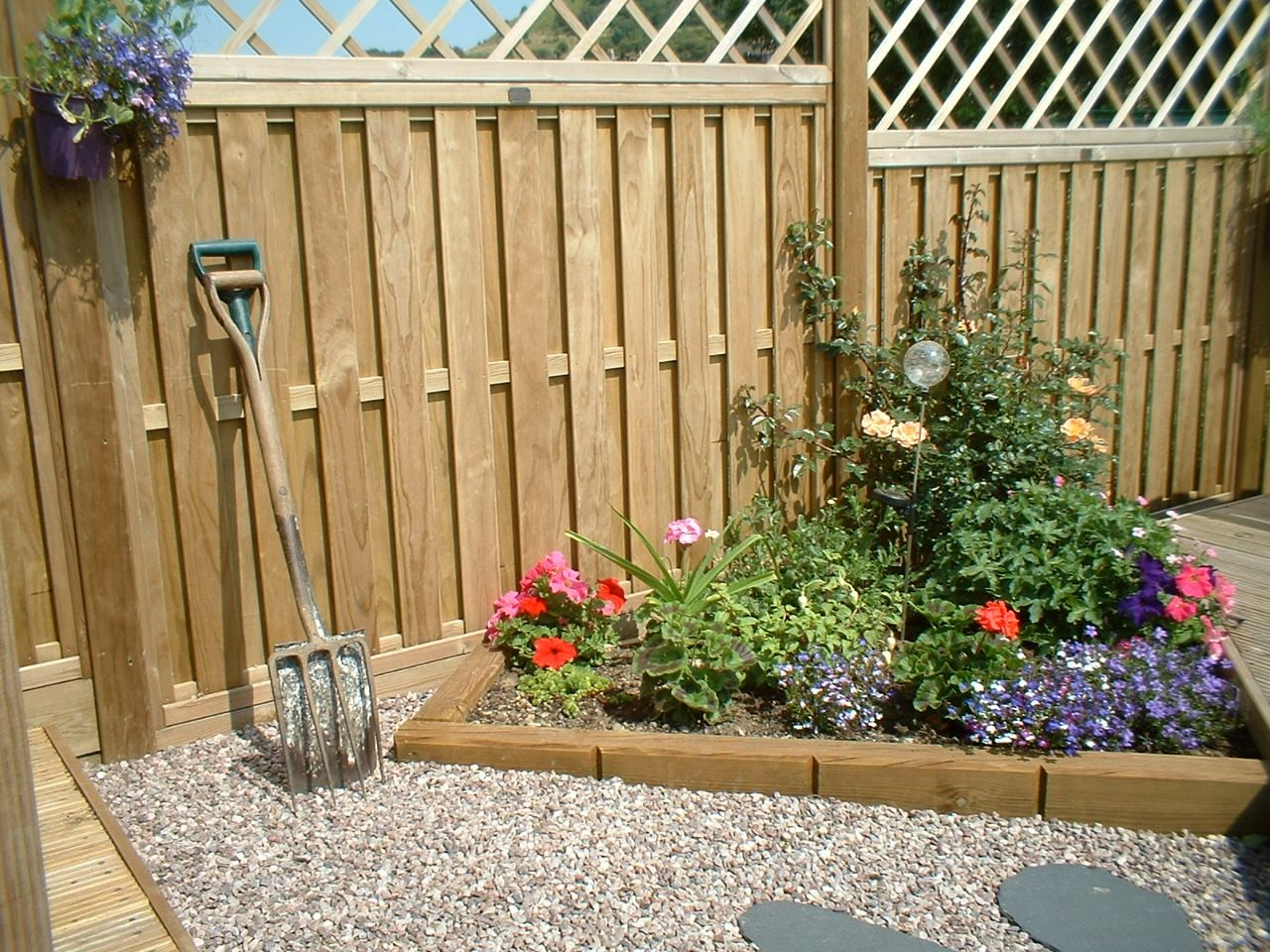 Jakwall flower bed and our hit and miss vertical panels with diamond premier…