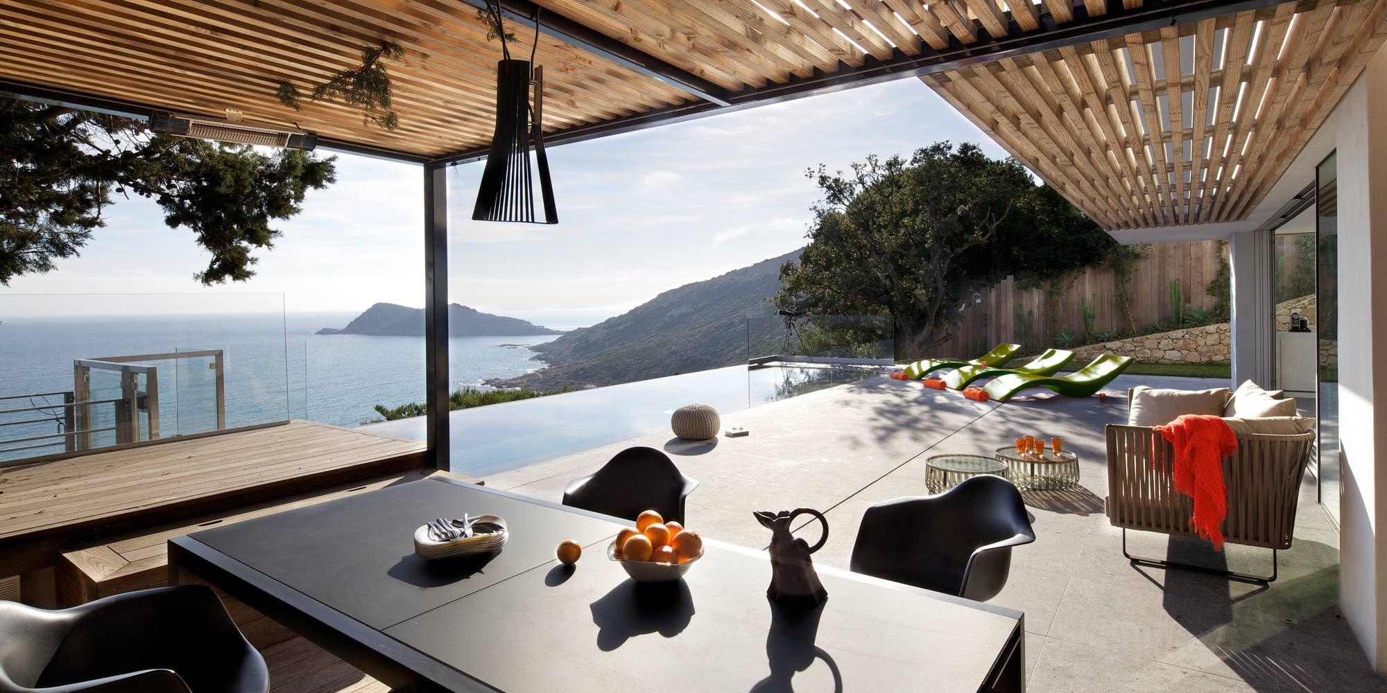 Casa de dos pisos en la playa, incluye fachada y diseño de ...