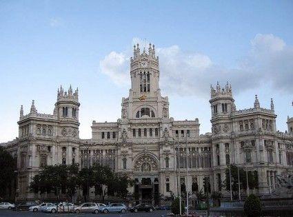 La Plaza Y El Palacio De Cibeles En Madrid Palacios Viajes Cibeles