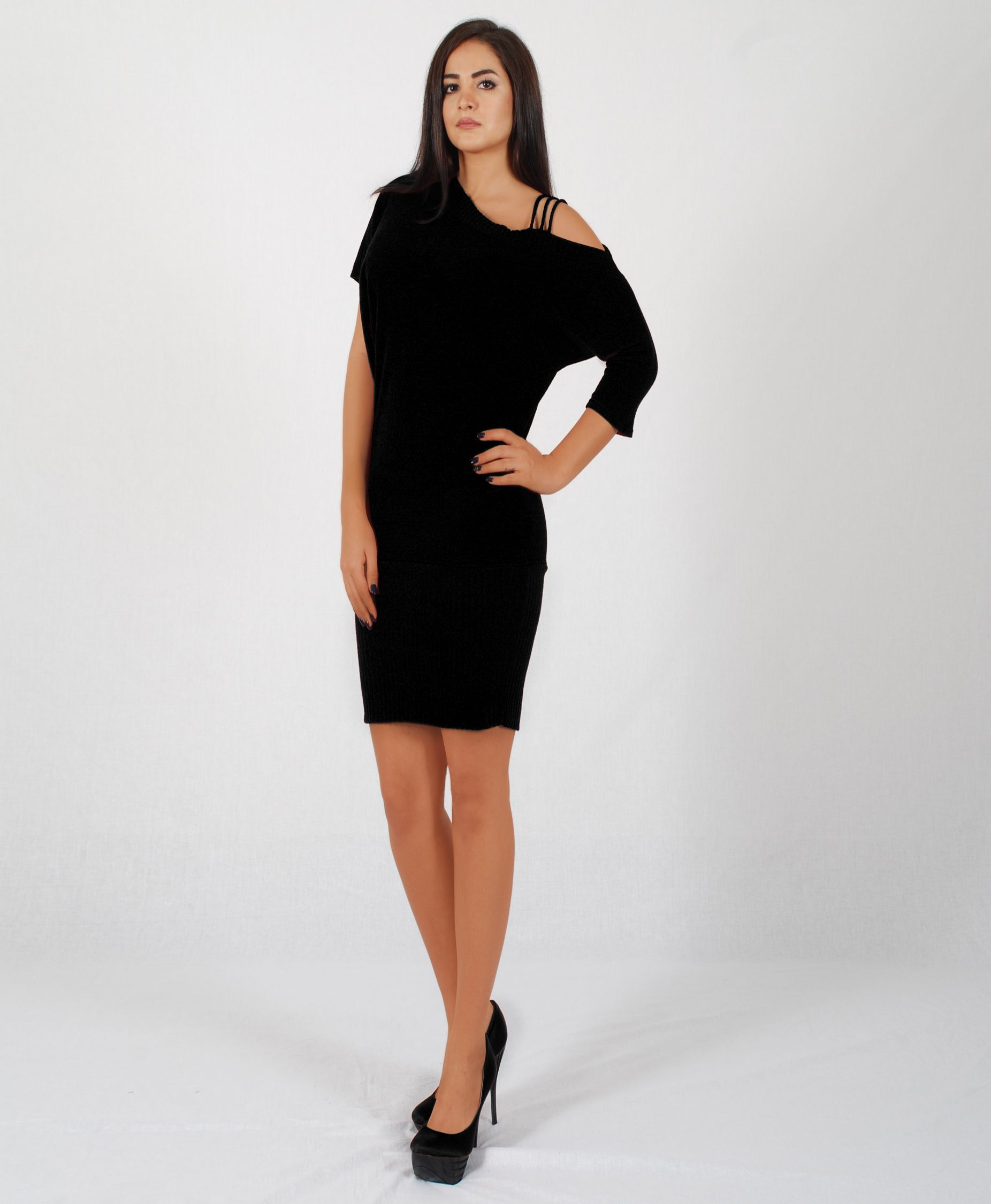Distinguish yourself from the crowd with this sexy off shoulder mini ...