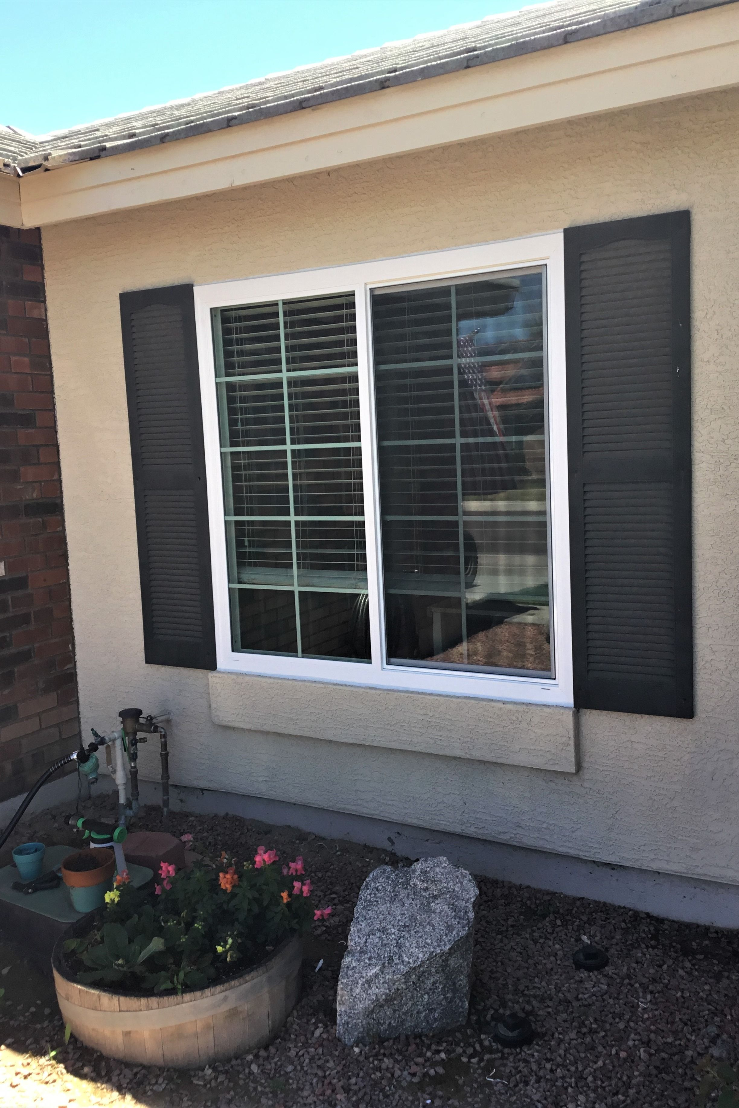 Fantastic Energy Efficient Window Replacement Done By Us At Affordable Windows This Window Features A Col Windows Affordable Windows Vinyl Replacement Windows