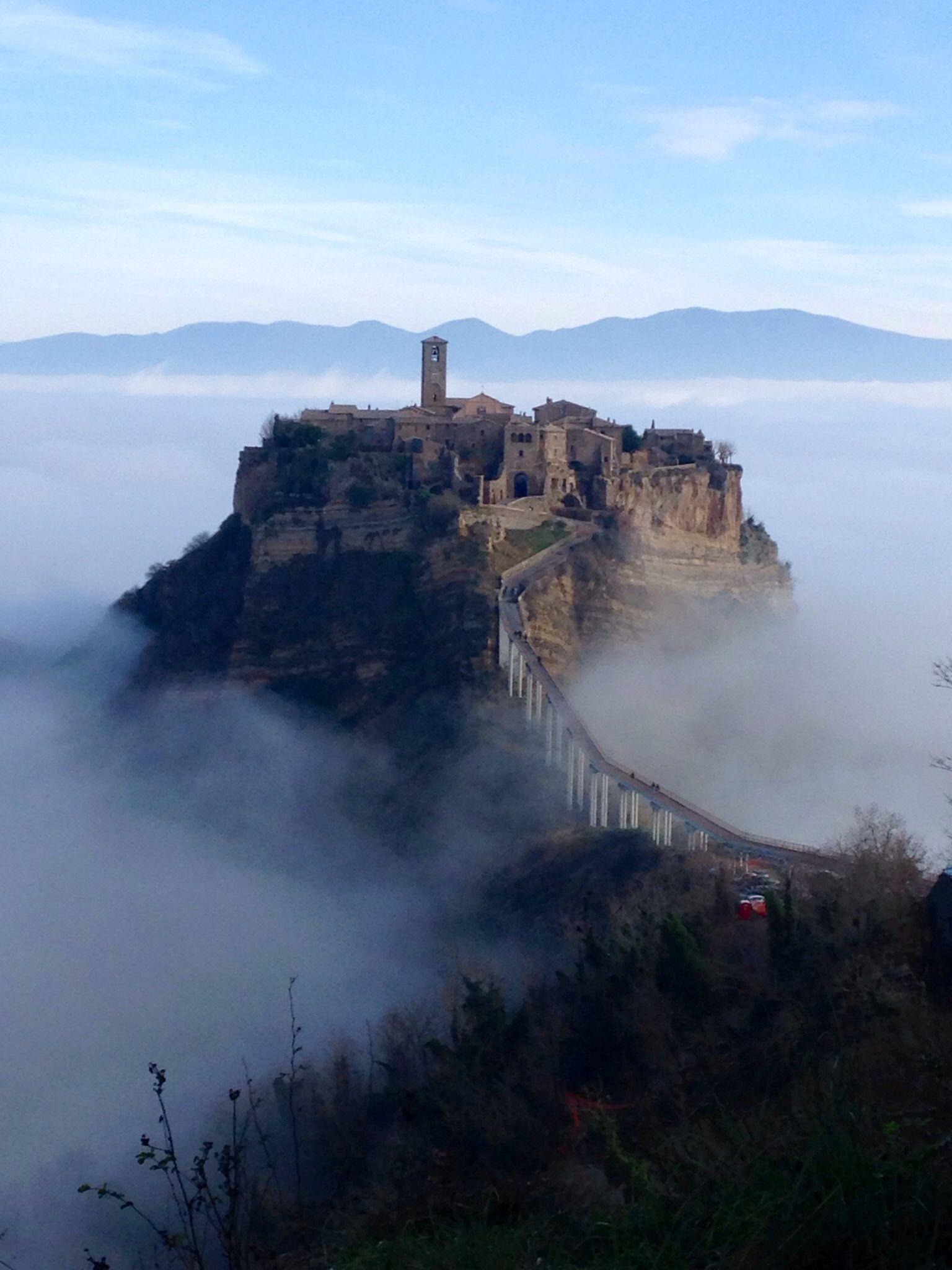 If this isn\'t what dreams are made of..... Civita di Bagnoregio ...