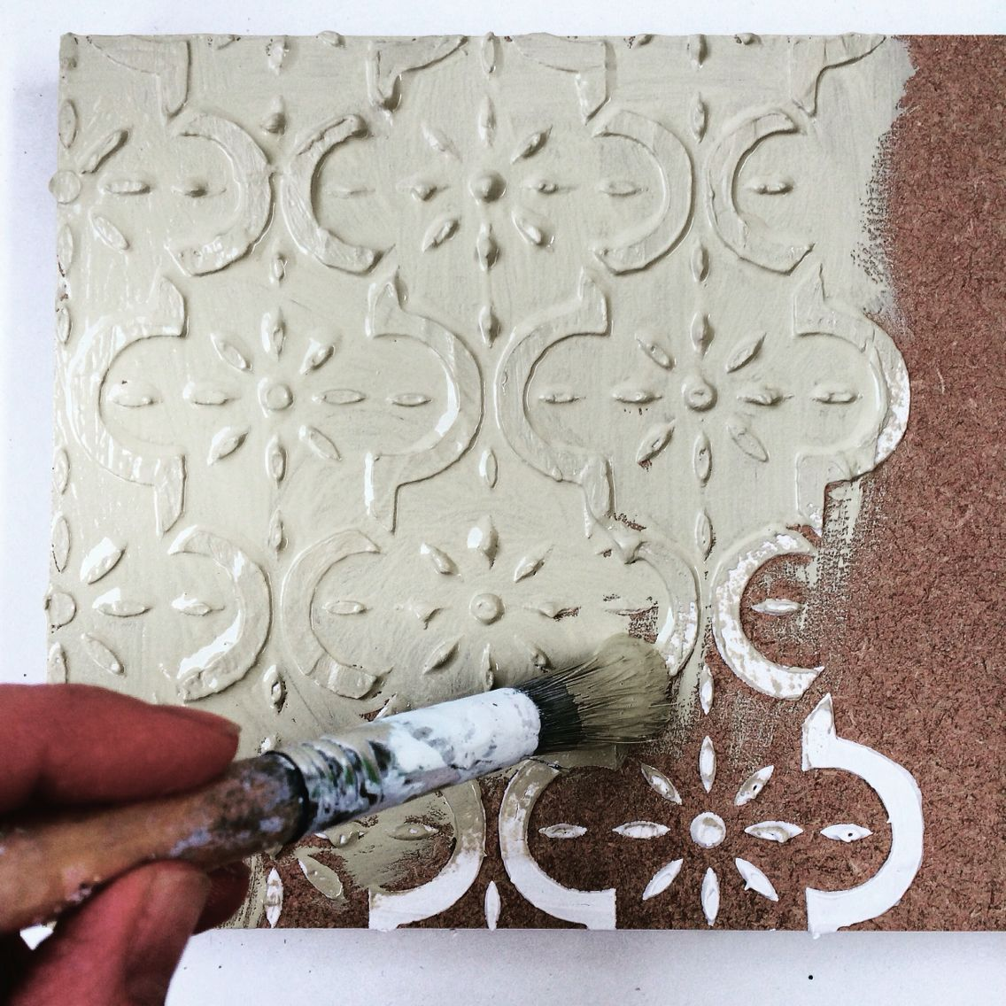 Creating a 3D effect with Stencil Paste and the Medina Stencil #stencil #stencilpaste #paintedfurniture