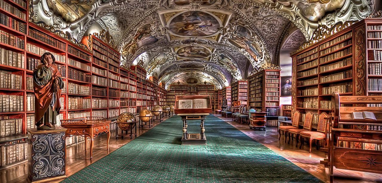 プラハ一美しい図書館を見よう!ストラホフ修道院