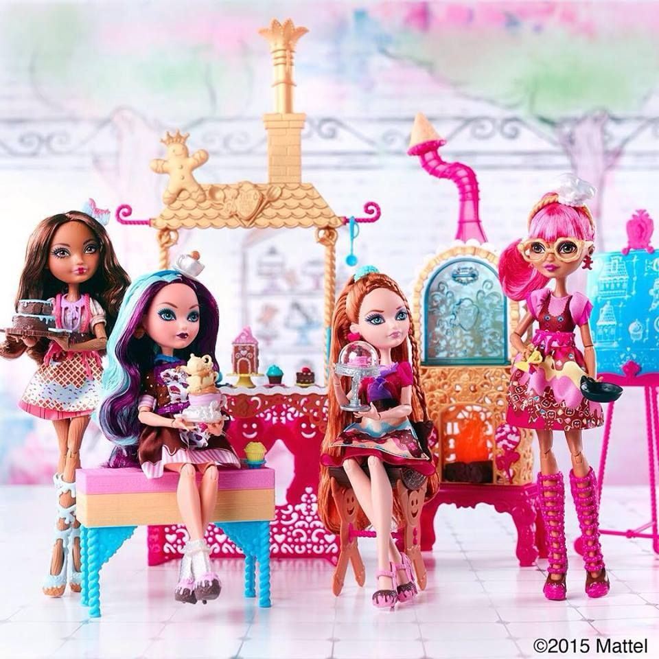 Cedar Wood, Madeline Hatter, Holly O'Hair and Ginger Breadhouse Sugar Coated Ever After High Dolls with the Sugar Coated Bakery Playset
