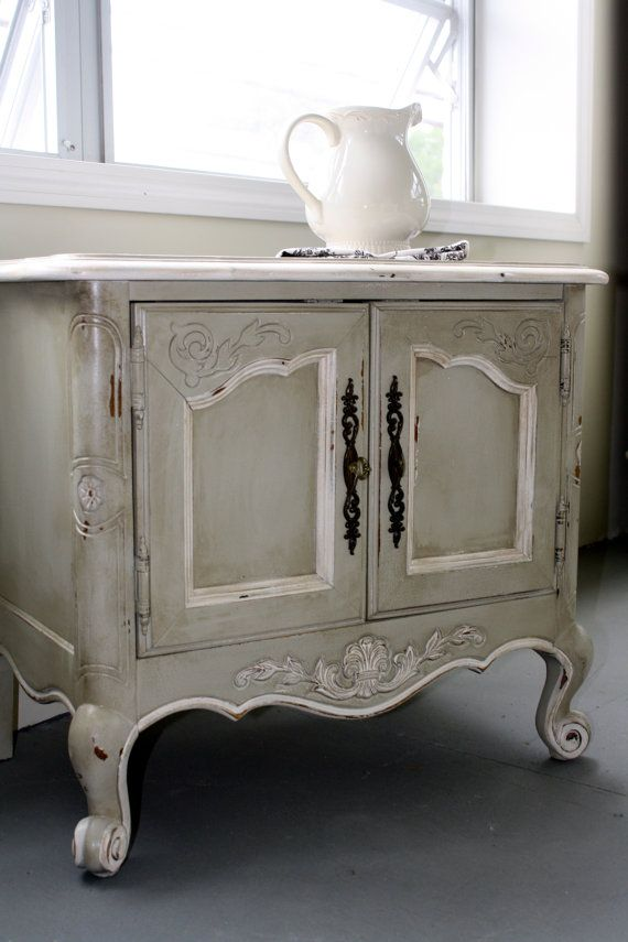 Shabby chic end table French, Shabby Chic, Hollywood Regency