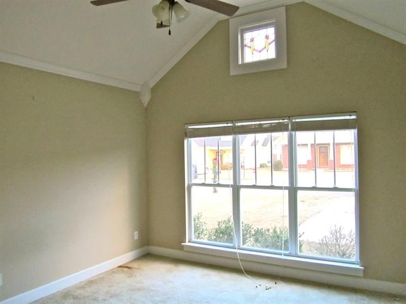 Crown Molding For Vaulted Ceiling Not A Fan Of The Corner Things Crown Molding Vaulted Ceiling Crown Molding Vaulted Ceiling Bedroom