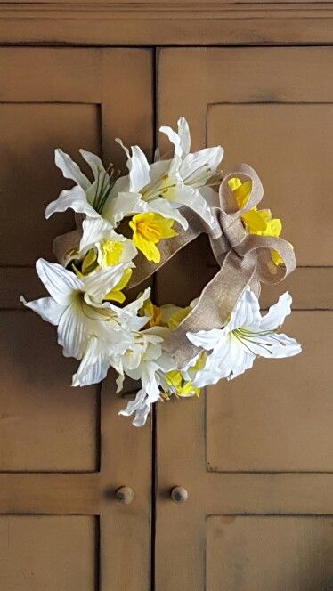 Easter Lilly Wreath Using $1 Store Items