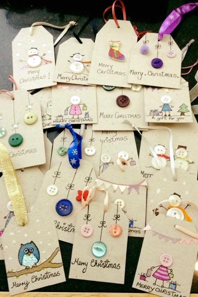 Photo of ¡Qué linda idea … hacer tus propias etiquetas y usar botones como adornos! Definido