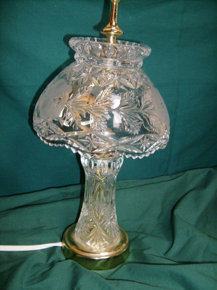 Vintage Frosted Etched Rose Crystal Hollywood Regency Boudoir Table Lamp In 2020 Vintage Lamps Lamp Vintage