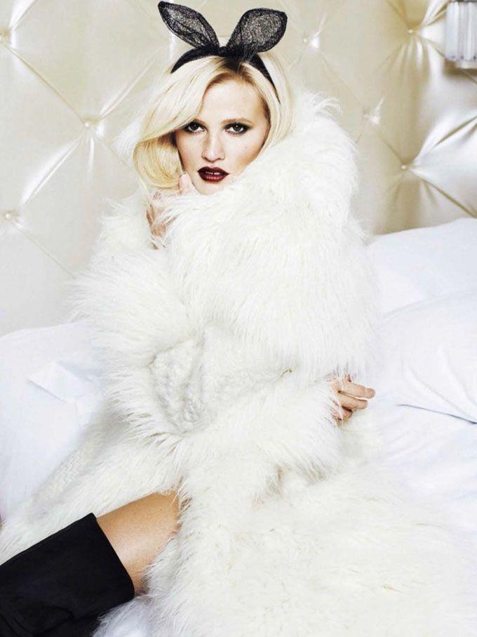 Лара Стоун (Lara Stone) украсила декабрьский Glamour Spain, снявшись в фотосессии Алик (Alique).