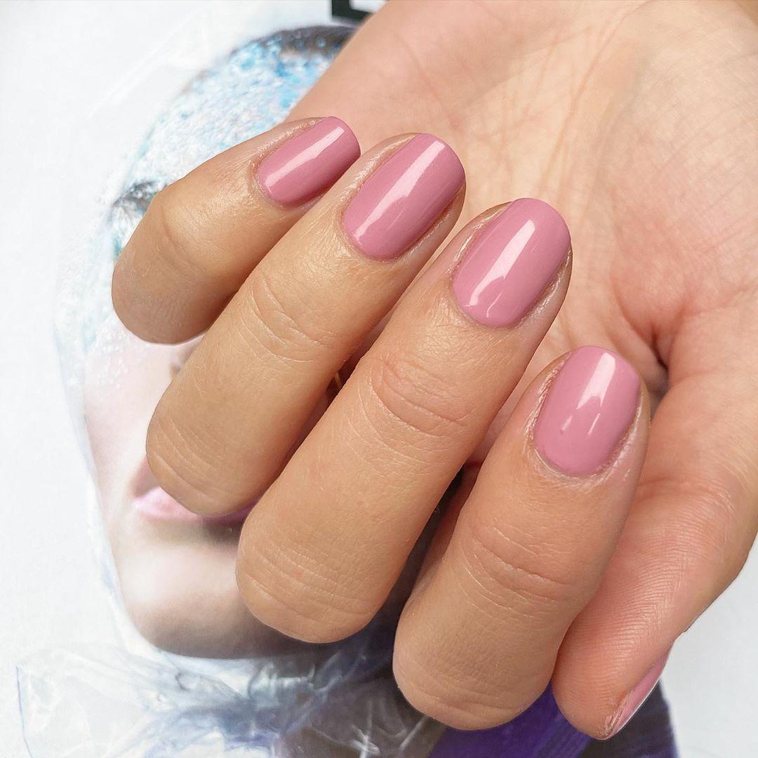 Modern Mauve Pink Nails In 2020 Pink Nail Polish Nail Polish Mauve Nails