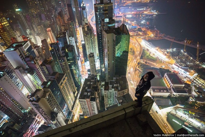 Daring Rooftoppers Scale Hong Kongs Highest Buildings Building - Daredevil duo climb hong kongs buildings capture like youve never seen