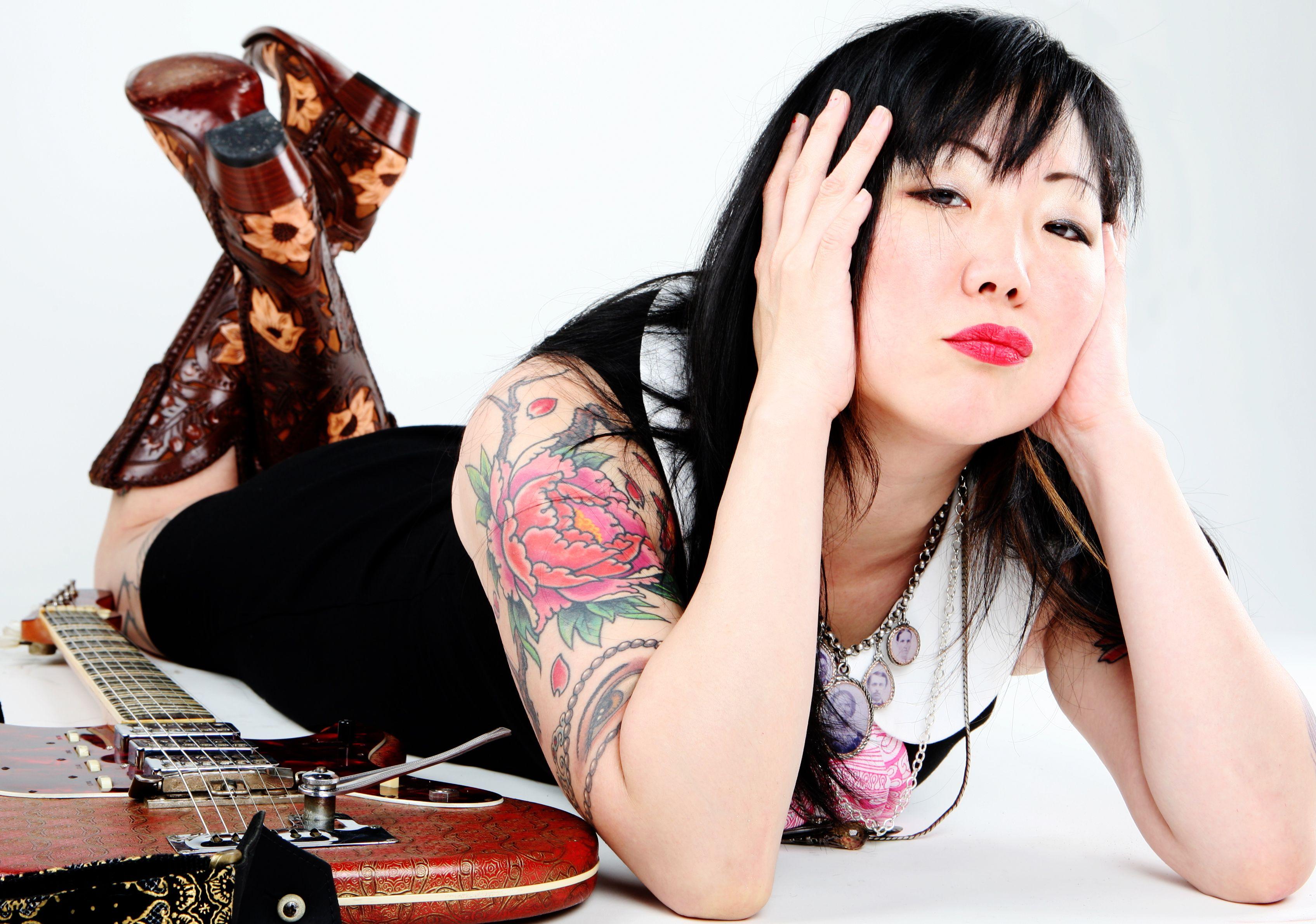 Asian lesbians ass