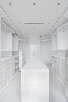 Huge Empty Master Walk In Closet