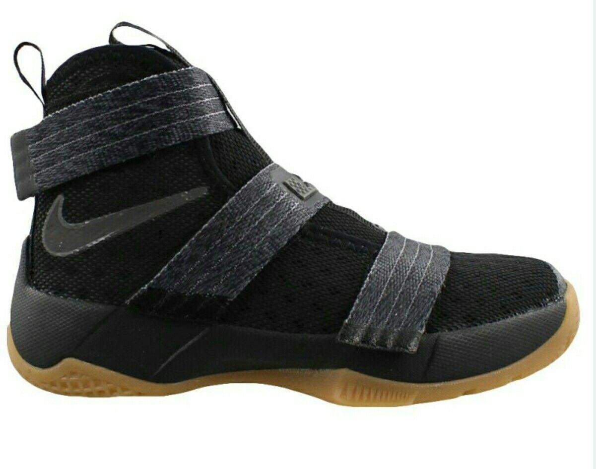Idea by Craig Moore on Shoes Boys shoes, Nike lebron