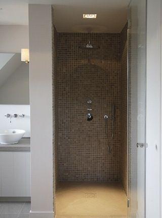inloopdouche afgewerkt met mozaiektegels - Badkamer | Pinterest ...