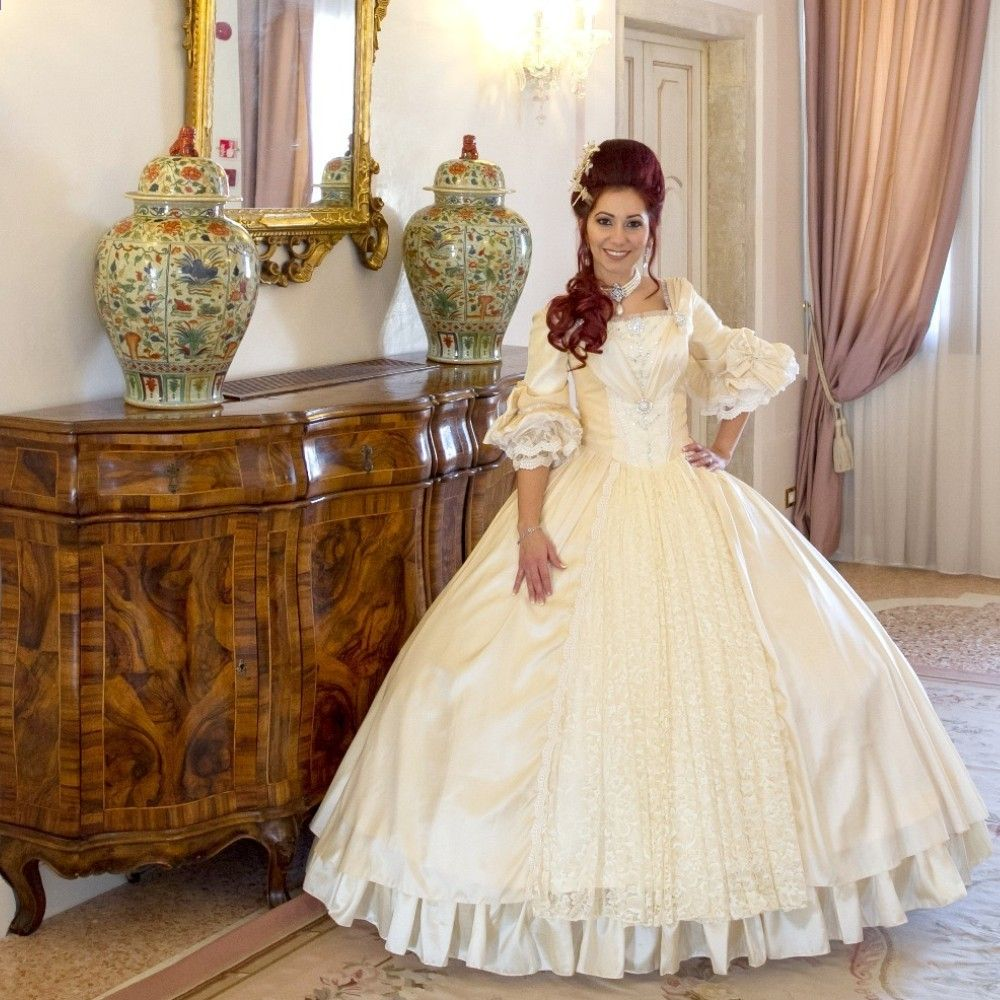 9118e9a609 2017 Nowe Suknie Ślubne Koronkowe Mermaid Suknie Bez Pleców Koronkowe  aplikacje Koronkowe Suknie Ślubne na wesele