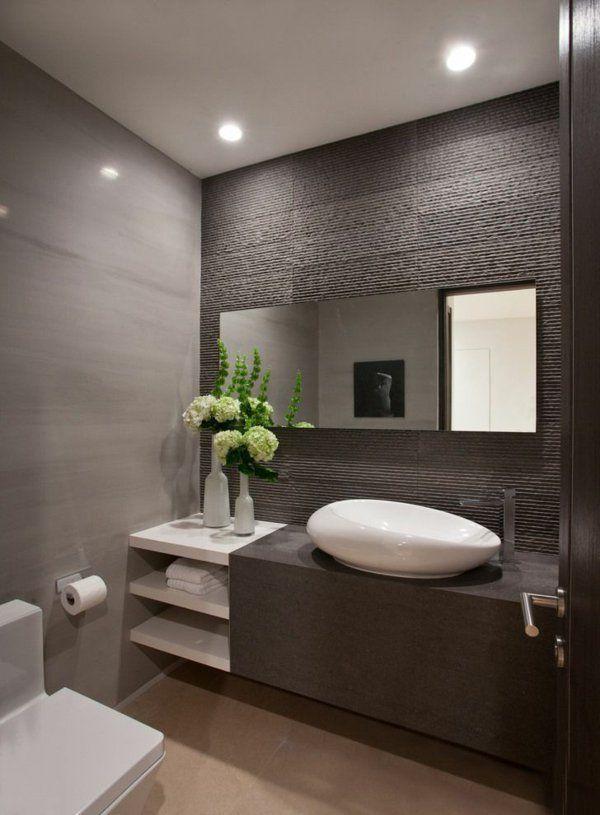 Une salle de bains grise l gance et chic contemporain for Modele deco carrelage salle de bain