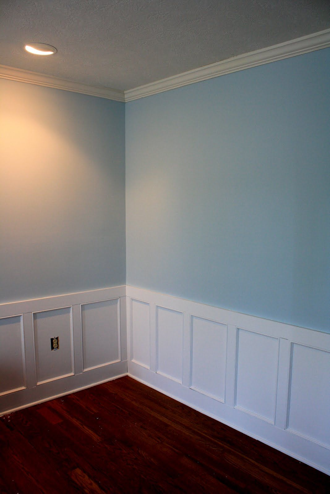 Benjamin Moore Heaven On Earth White Wainscot Google Search Main Bath