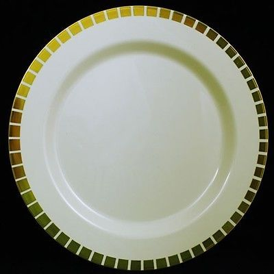 If you don\u0027t have fine china you can still get a more elegant look than paper plates. Check out some of these plastic plate sets made for weddings as an ... & GOLD+SLIT+PLASTIC+PLATES+(40)+SET+PREMIUM+HEAVYWEIGHT+PLASTIC+ ...