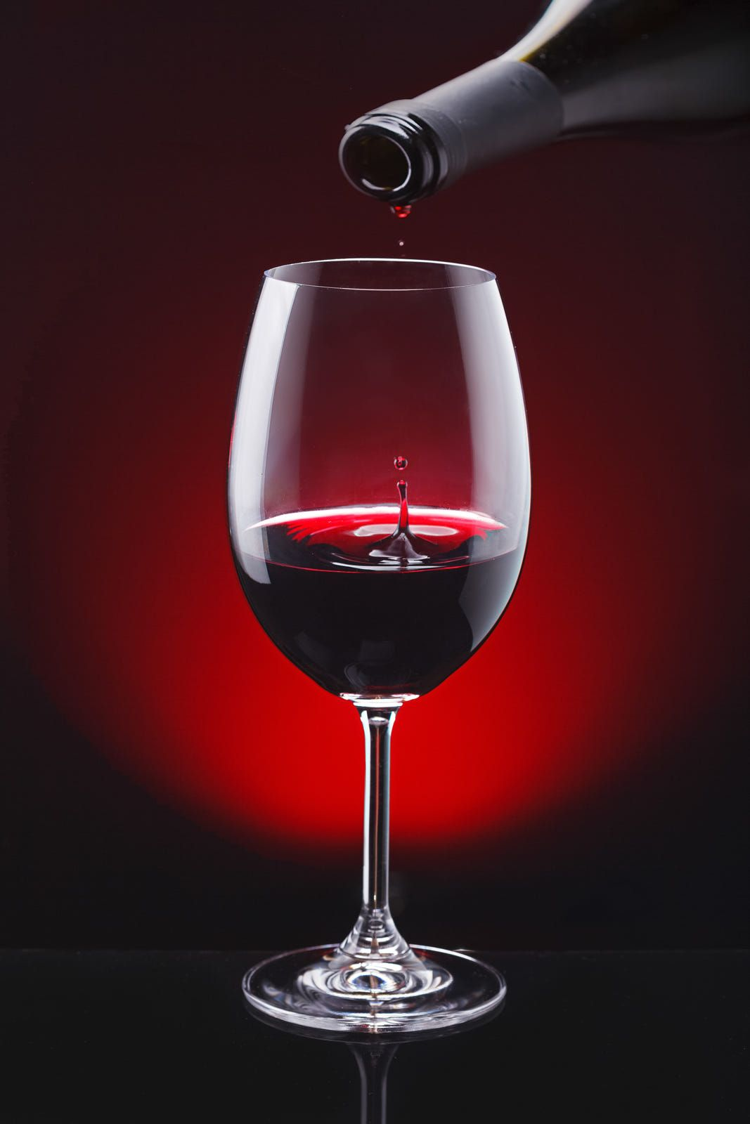 Simply Red By Heinz Trebuth In 2020 Wine Photography Wine Art Wine Pics