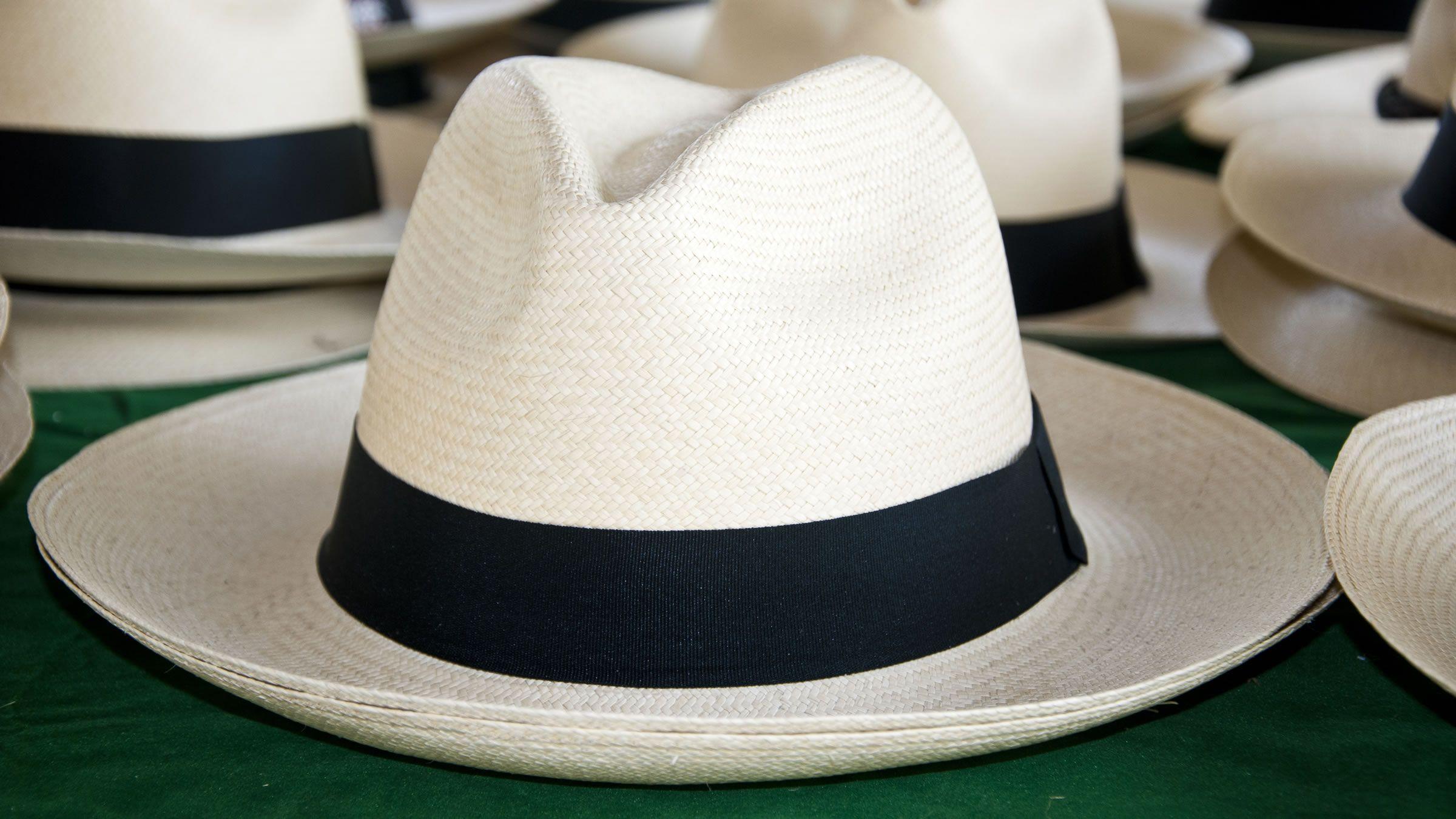 Ejemplo de sombrero paisa o antioqueño  bd062e915b60