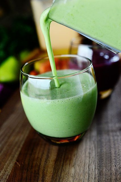 ~~Healthy Green Smoothie | chock full of favorite green fruits and a bunch of superfood kale, serves 8 for normal humans, in our house it serves 4 | The Pioneer Woman~~
