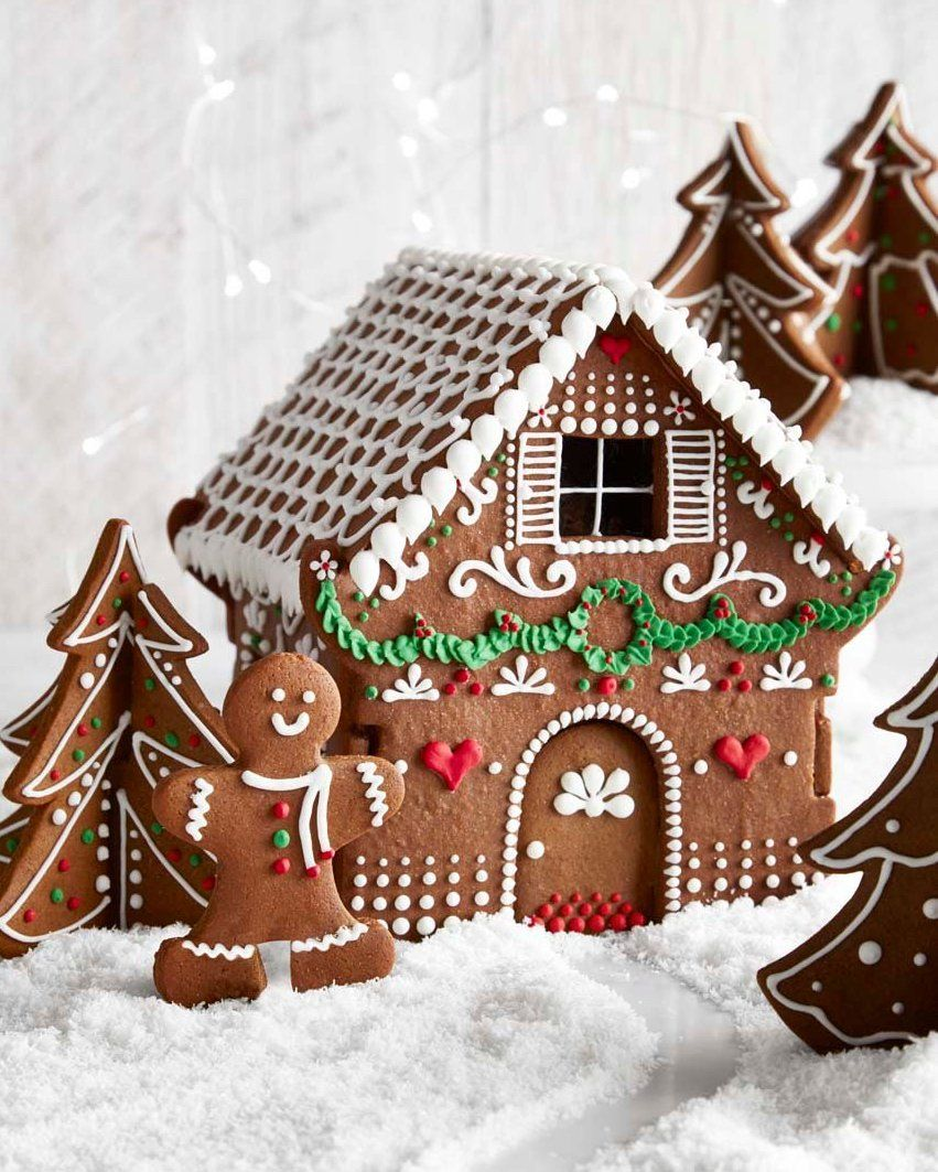 3D Gingerbread House Cookie Kit