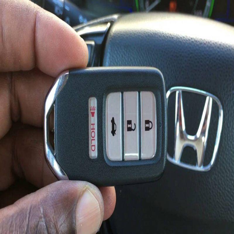 Skilled Changing Battery In Honda Key Fob In 2020 Honda Key Smart Key Car Key Replacement