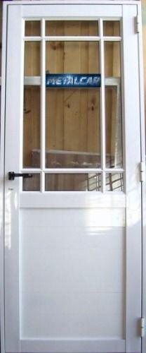 Puerta para armar con vidrios de colores sacada de mercado - Puertas de aluminio con cristal ...