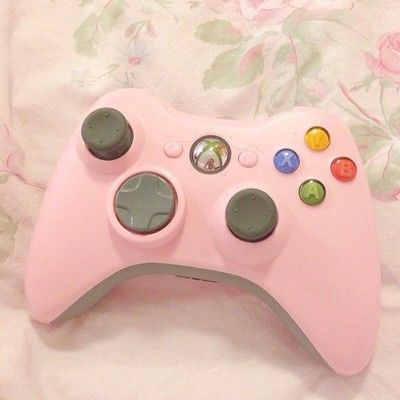 popfairy: I love my pink controller so much. I need a lavender one ...