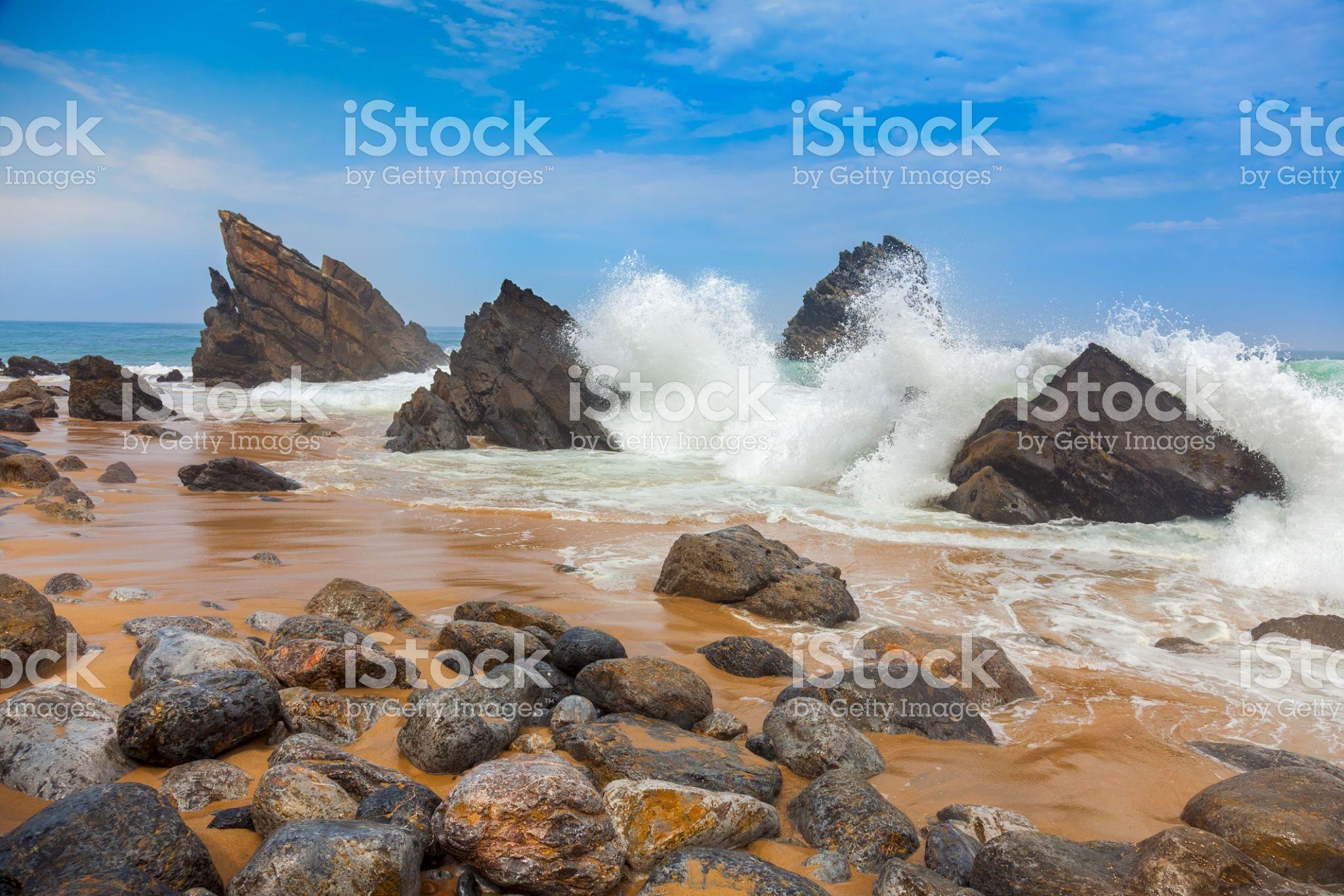 Ocean Beach Landscape Big Waves Breaking On The Shore With Rocks Beach Landscape Ocean Beach Big Waves