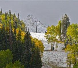 #seasonsclashing #fall #winter #mountainlife #crestedbutte
